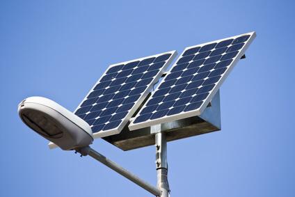 Solarstraßenlaternen an der Autobahn